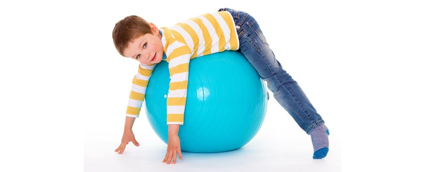 Pilates para niños con fitball