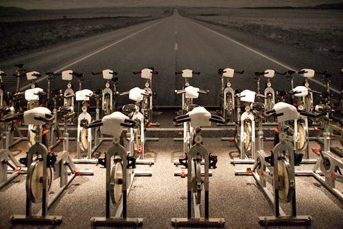 Clase colectiva de spinning