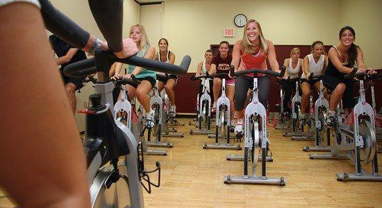 Por que deber as hacer spinning en el gimnasio ya for Clases de spinning